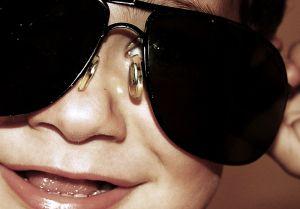 bimbo-occhiali